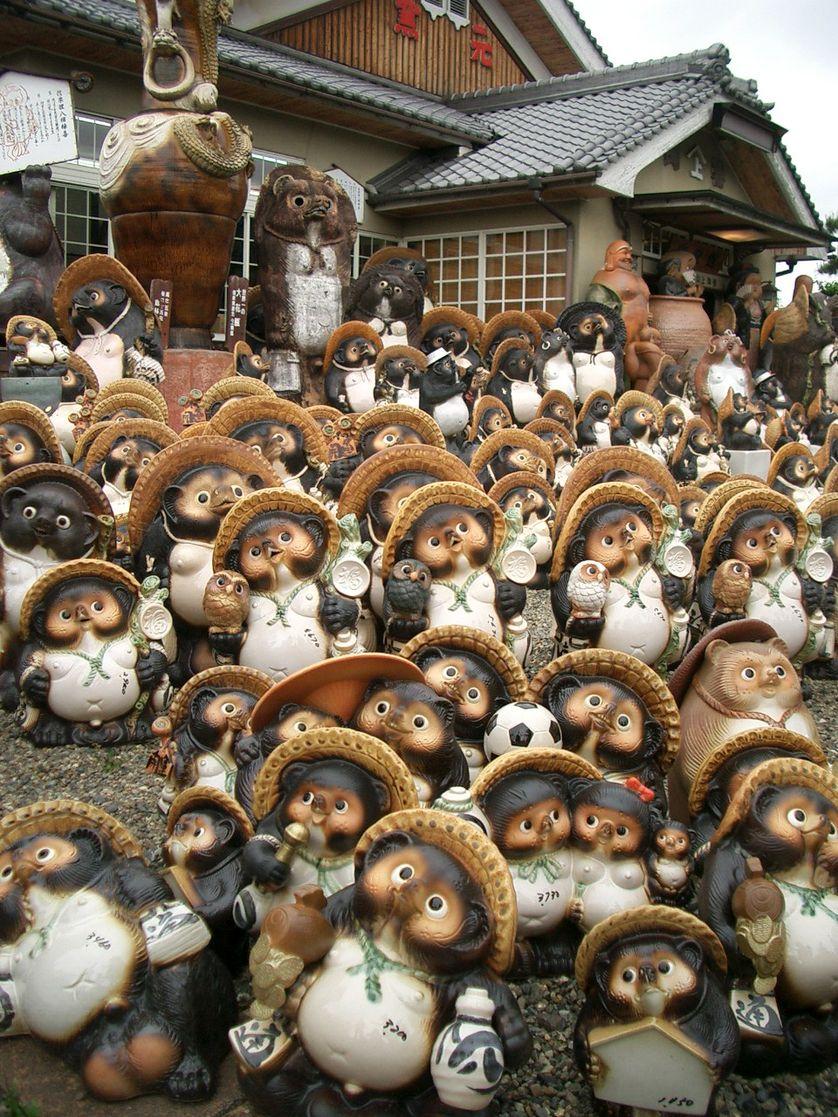 Tanuki statues in Japan